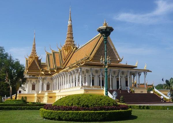 Top 10 bezienswaardigheden Phnom Penh: Koninklijk paleis