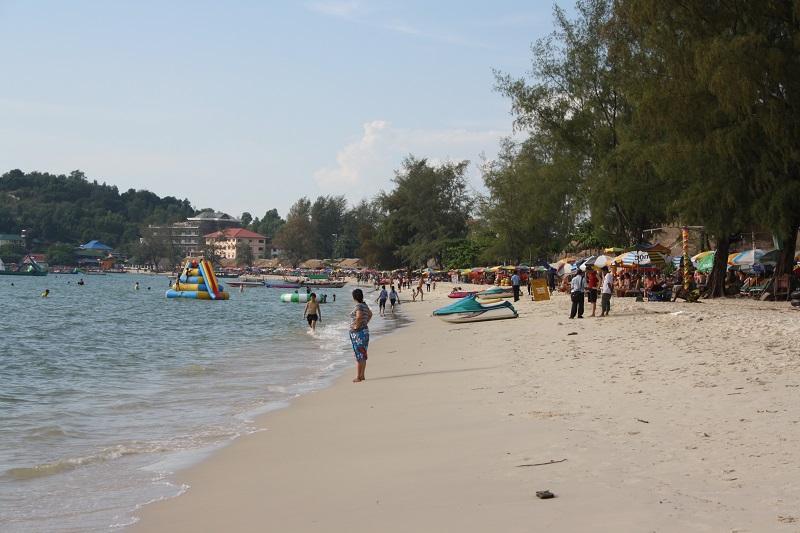 Top 10 bezienswaardigheden Sihanoukville: Ochheuteal beach
